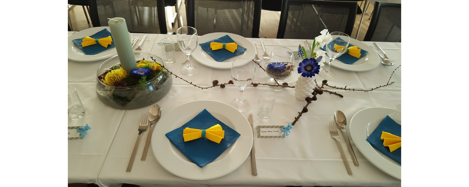 Table decorations for small and large occasions